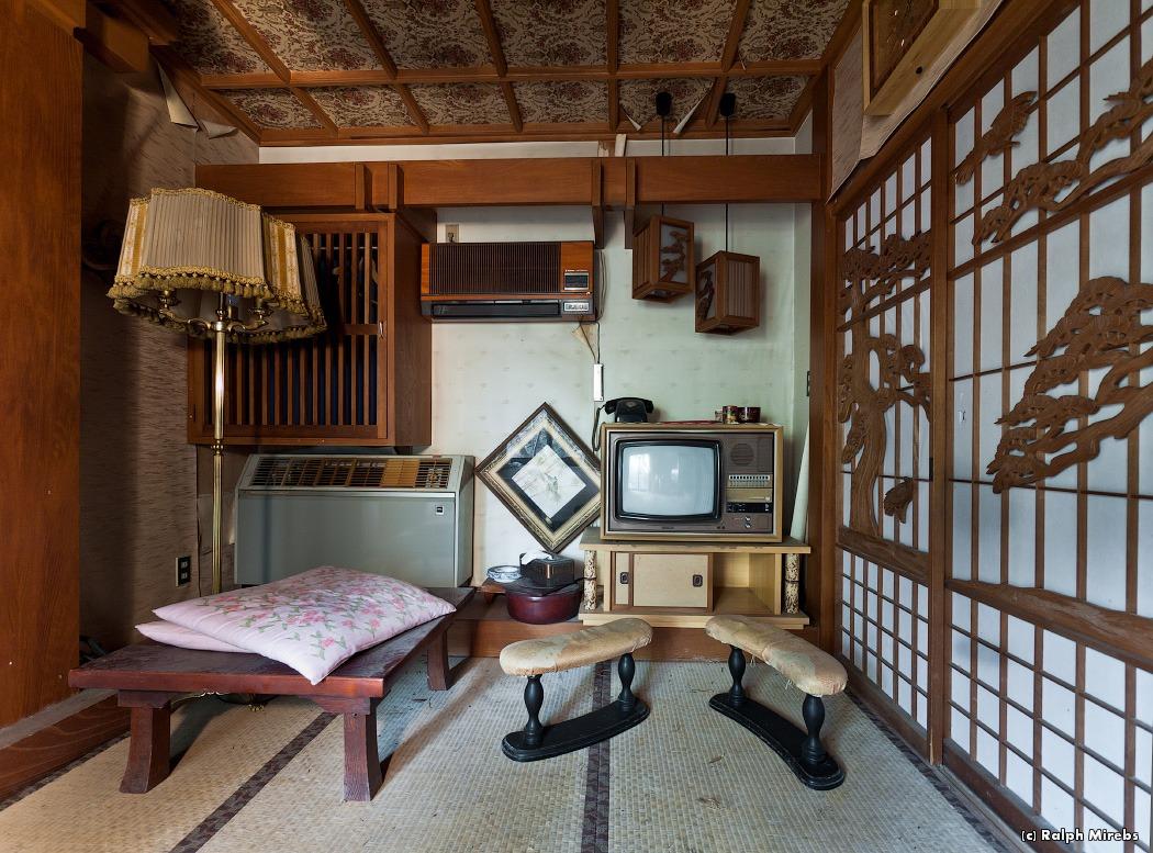 850 Заброшенный отель в Японии