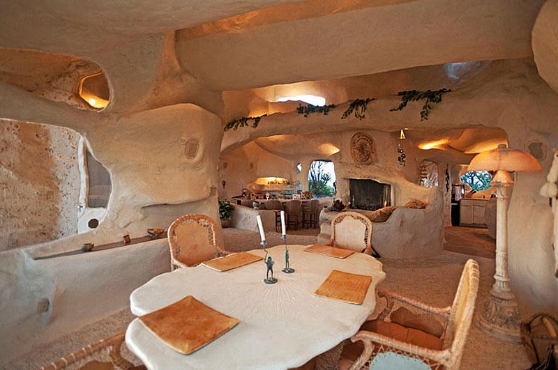 Flintstone Style House in Malibu11 Дом Флинстоунов в Малибу выставлен на продажу