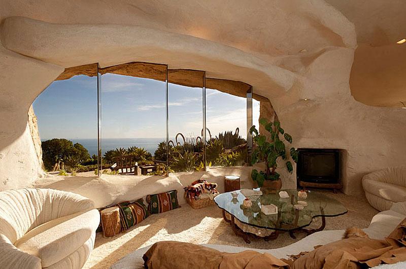 Flintstone Style House in Malibu13 Дом Флинстоунов в Малибу выставлен на продажу