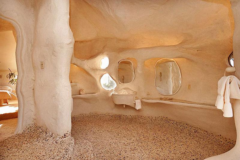 Flintstone Style House in Malibu4 Дом Флинстоунов в Малибу выставлен на продажу