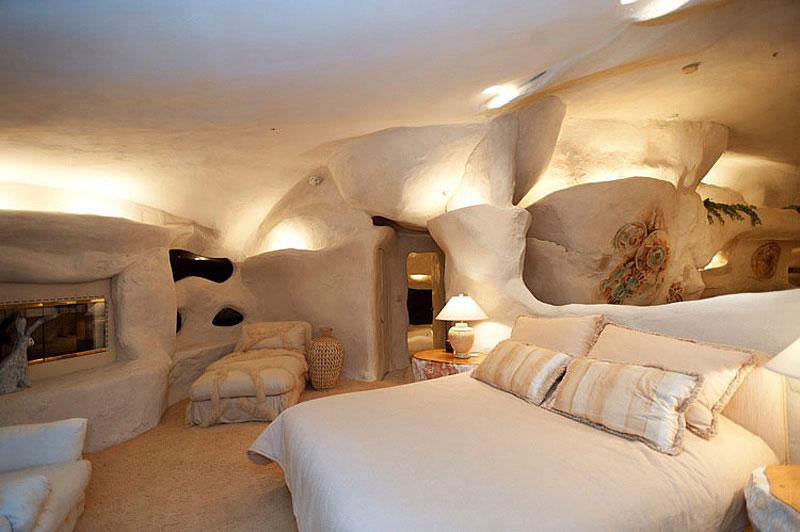 Flintstone Style House in Malibu6 Дом Флинстоунов в Малибу выставлен на продажу