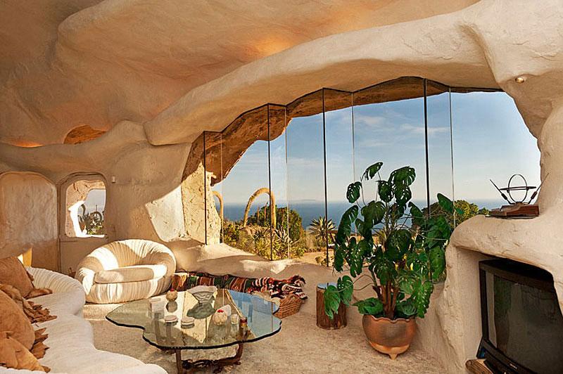 Flintstone Style House in Malibu9 Дом Флинстоунов в Малибу выставлен на продажу