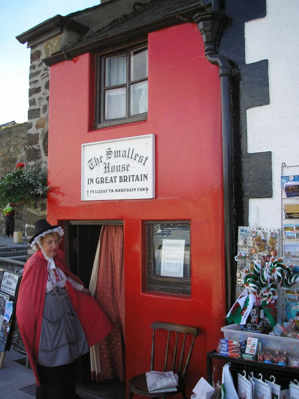 The Smallest House in Great Britain Самые маленькие дома в мире