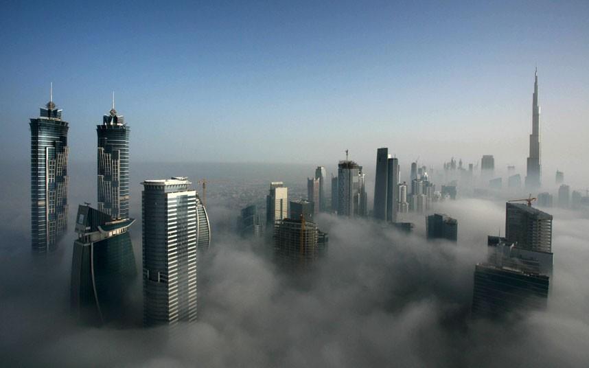 beautiful 2183484k Дубай, окутанный туманом