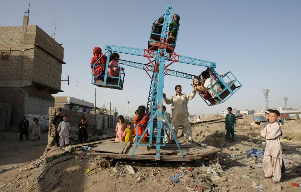 Трущобы Карачи - мир может быть лучше!