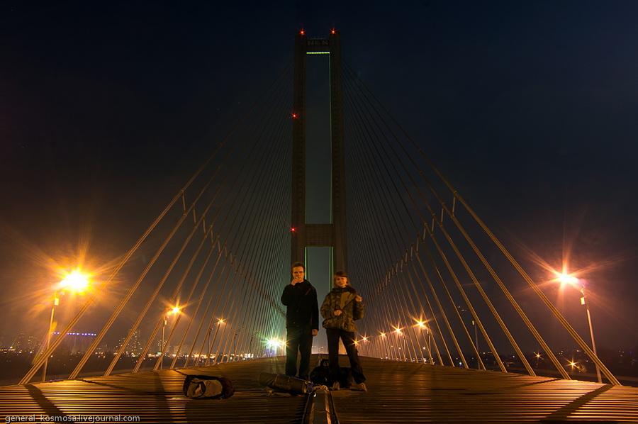 bridge03 Туманный рассвет над Киевом на высоте 136 метров
