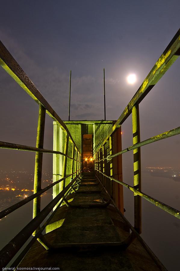 bridge06 Туманный рассвет над Киевом на высоте 136 метров