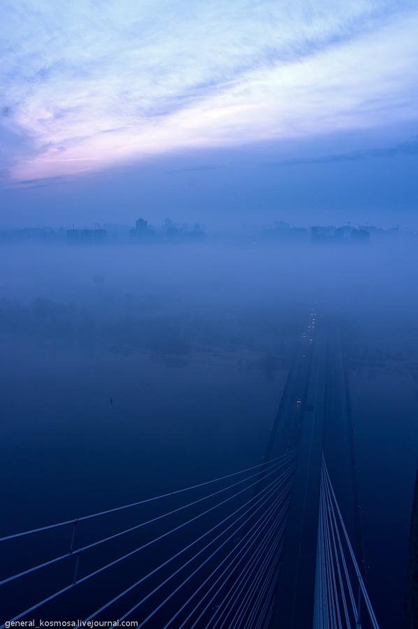 bridge08 Туманный рассвет над Киевом на высоте 136 метров