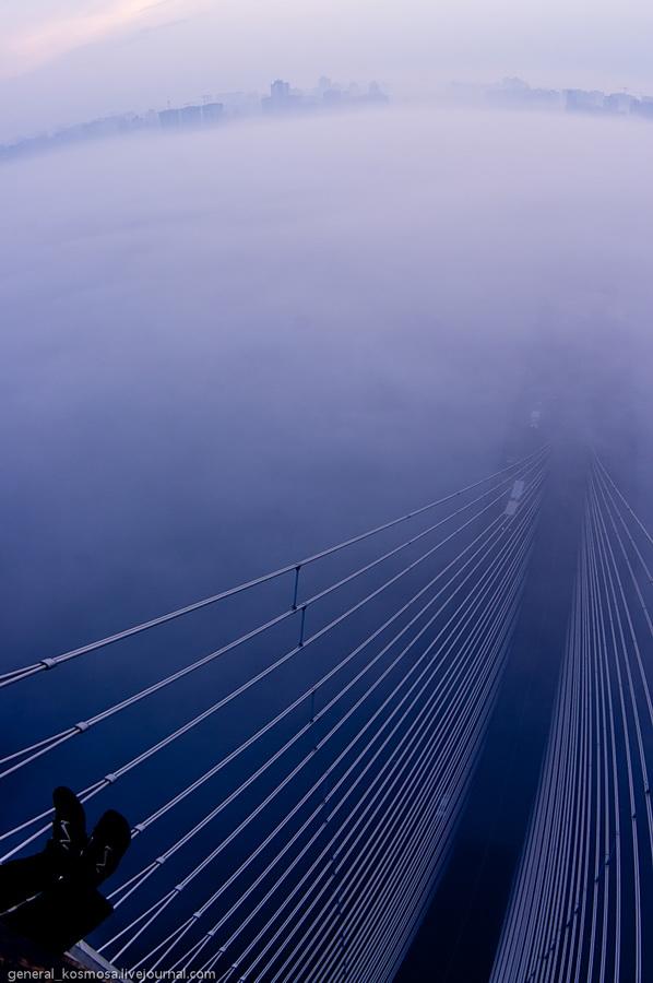 bridge14 Туманный рассвет над Киевом на высоте 136 метров