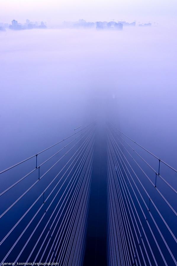 bridge22 Туманный рассвет над Киевом на высоте 136 метров