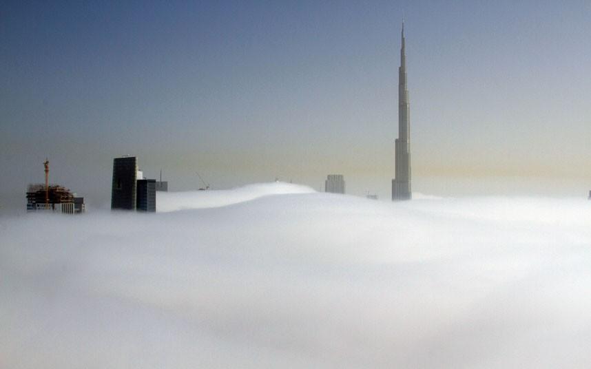 burj blanket 2183483k Дубай, окутанный туманом