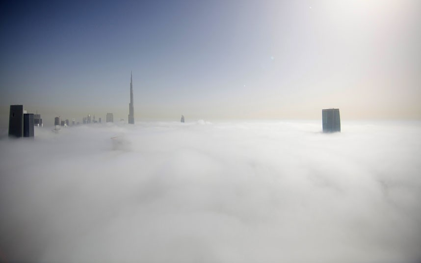 burj plus one 2183482k Дубай, окутанный туманом