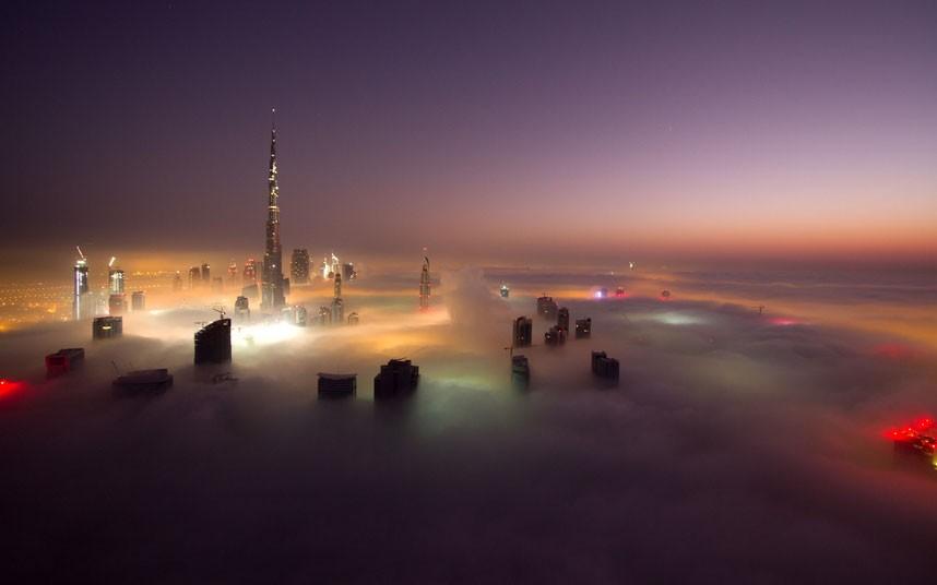 lights amazing 2183472k Дубай, окутанный туманом