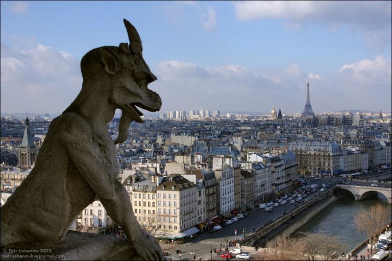 Были в Париже? Знаете необычный отель? Расскажите нам!
