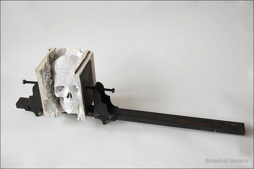 sculpture made out of books 7 Бумажный череп от канадского дизайнера MASKULL LASSERRE