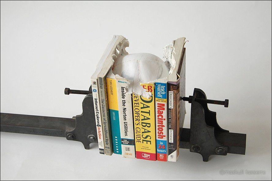 sculpture made out of books 9 Бумажный череп от канадского дизайнера MASKULL LASSERRE
