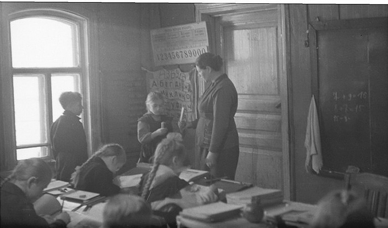 1077 Школа в советской деревне 1964 год