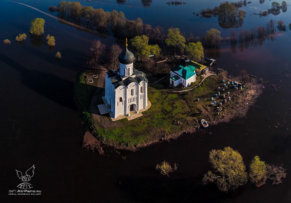 116 Церковь Покрова на Нерли: Аэрофотосъемка