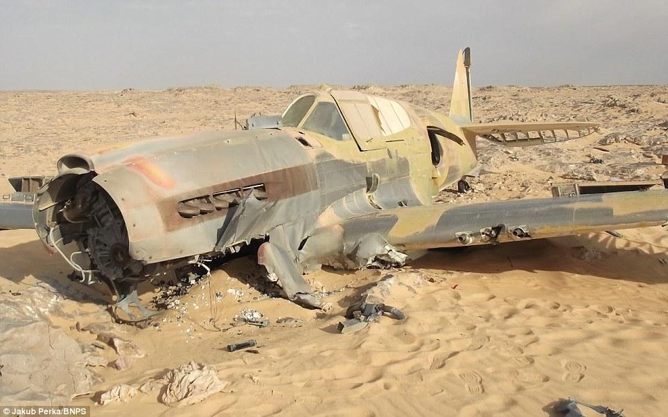 12126 В Сахаре нашли самолет Королевских ВВС времен Второй мировой