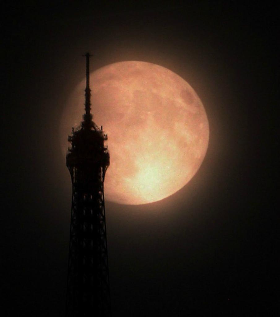 12183 Лучшие фотографии космоса за май 2012