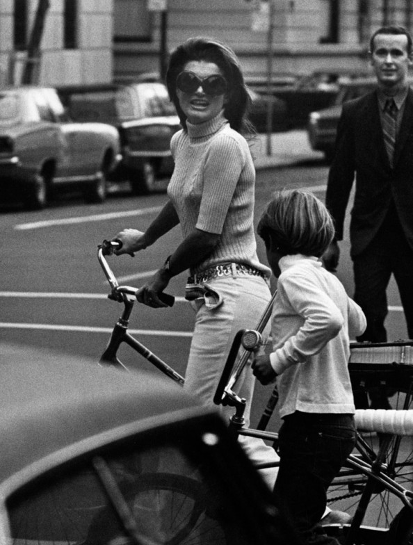 Ron Galella - America's Most Famous Paparazzi (16 photos ...