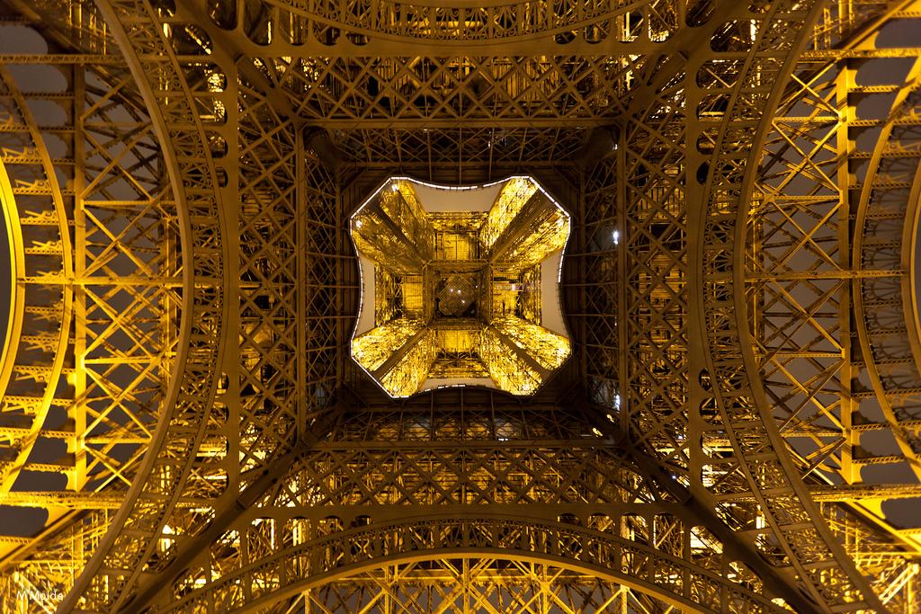 1602 Эйфелева башня: Взгляд снизу