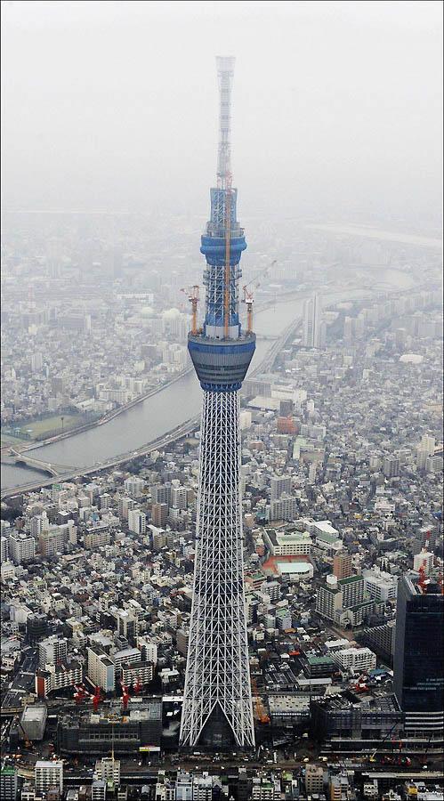 1701 Грандиозная телебашня в Токио