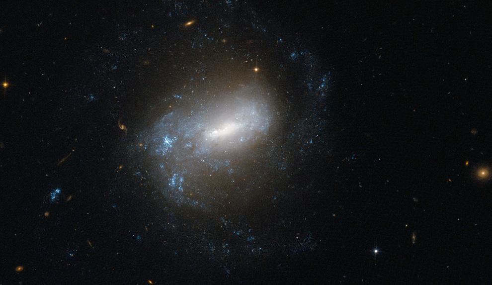 1745 Телескоп Хаббл: 22 года на орбите
