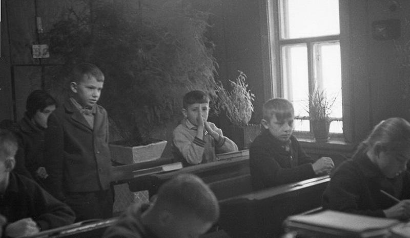 1748 Школа в советской деревне 1964 год