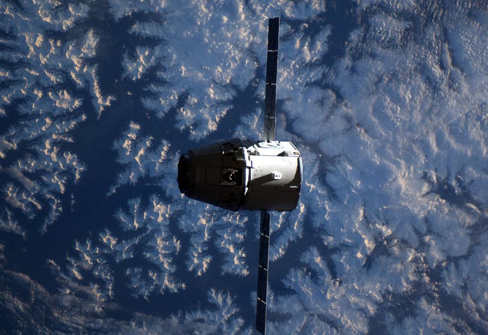 18107 Лучшие фотографии космоса за май 2012