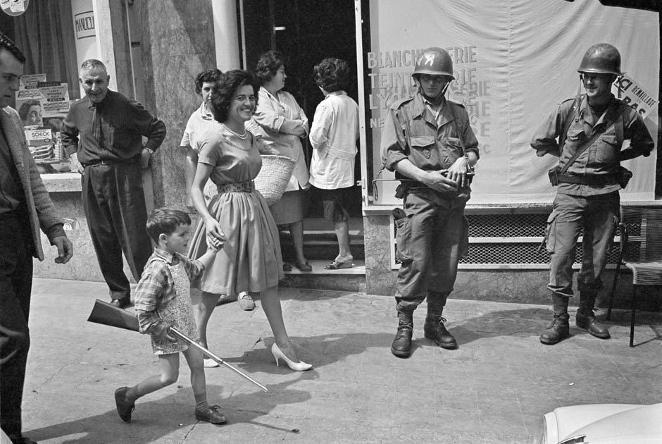 2048 Легендарный военный фотограф Хорст Фаас умер в возрасте 79 лет