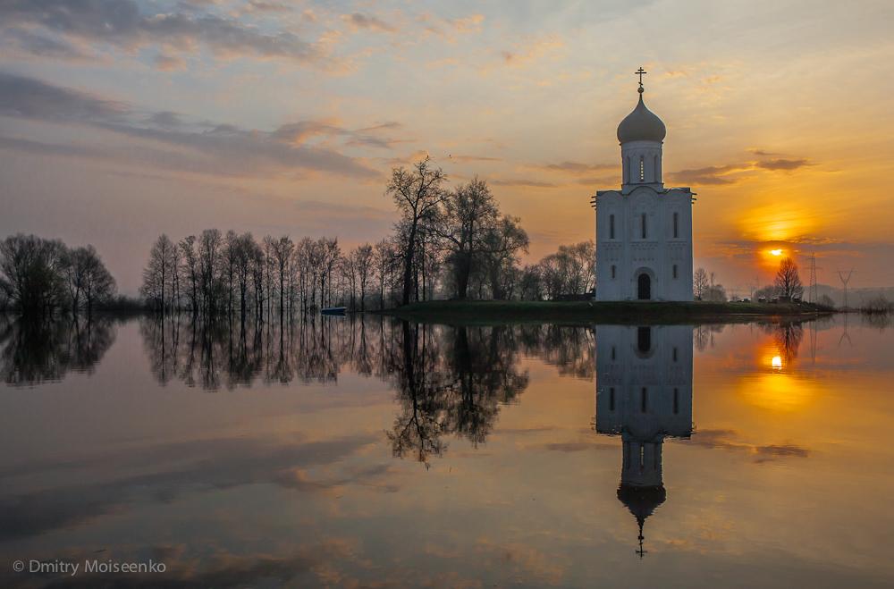 213 Церковь Покрова на Нерли: Аэрофотосъемка