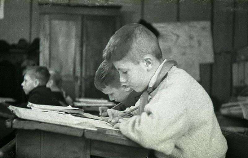 2178 Школа в советской деревне 1964 год