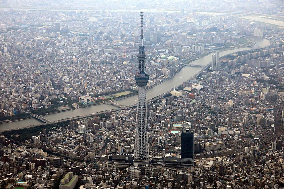 2303 Грандиозная телебашня в Токио