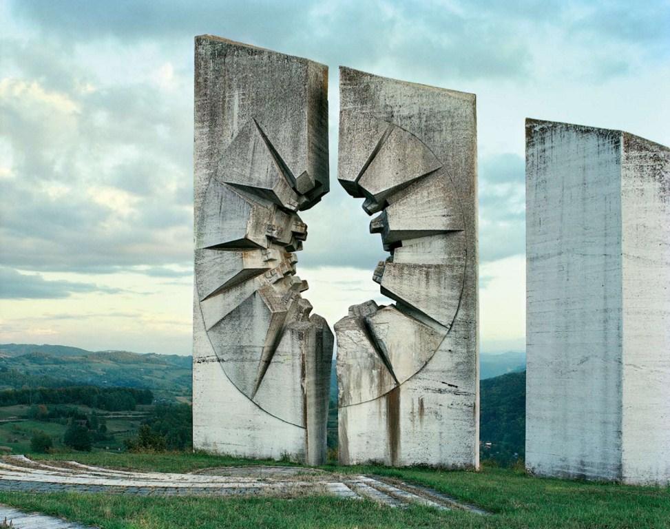 270 Заброшенные монументы