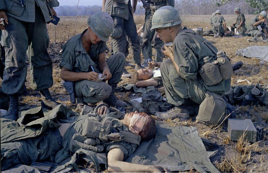 3166 Легендарный военный фотограф Хорст Фаас умер в возрасте 79 лет