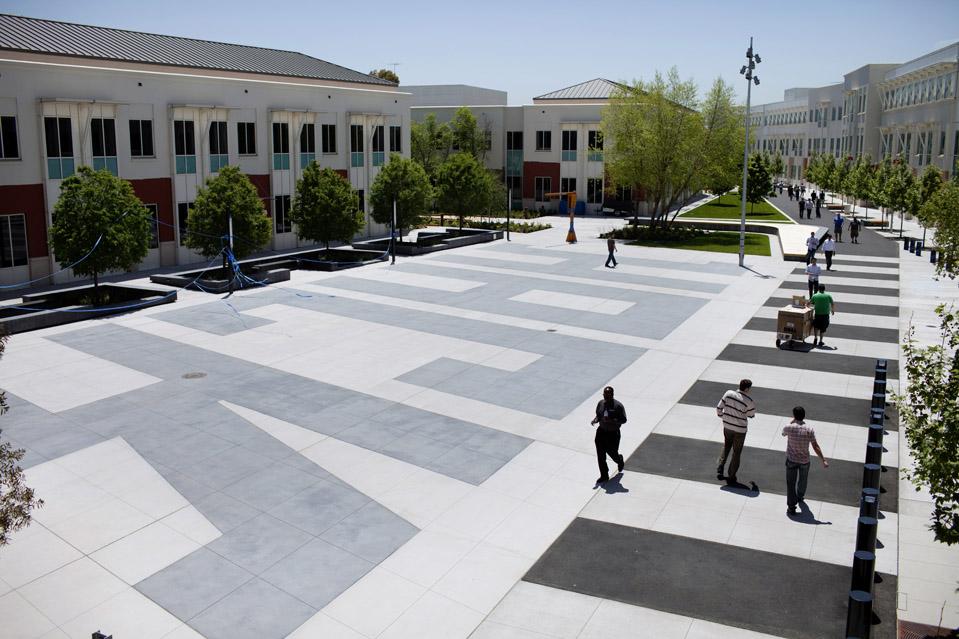 4141 Городок Facebook   штаб квартира компании переехала в новый кампус
