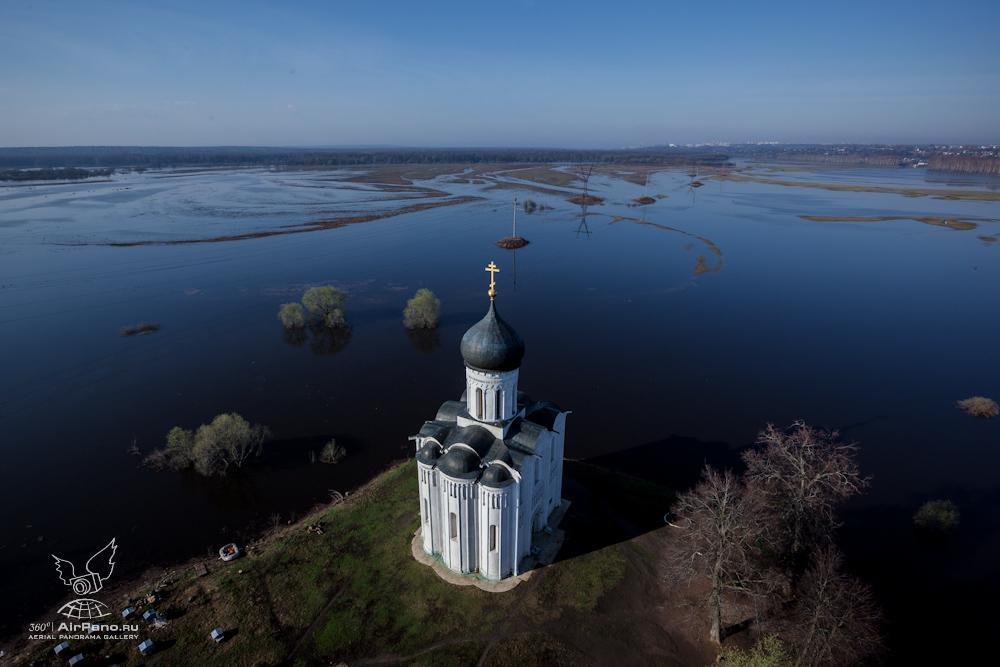 55 Церковь Покрова на Нерли: Аэрофотосъемка