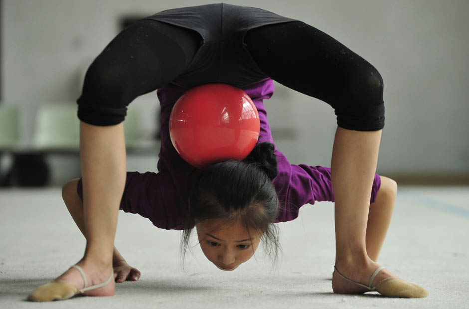 579 Очень гибкие китайские гимнастки