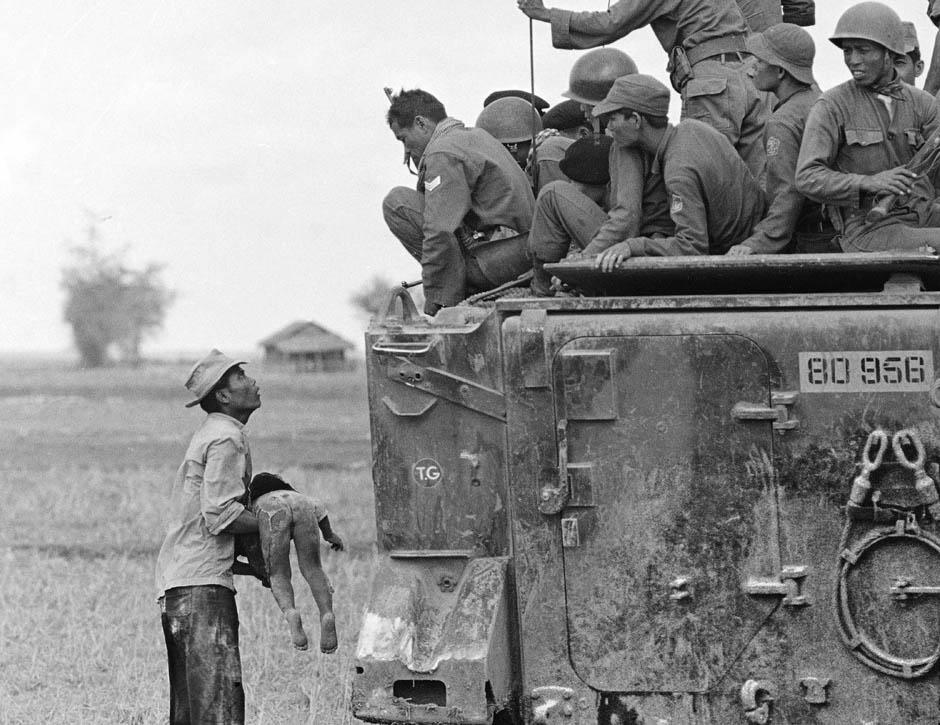 7103 Легендарный военный фотограф Хорст Фаас умер в возрасте 79 лет