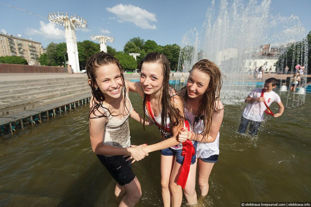 8112 Харьковские выпускники