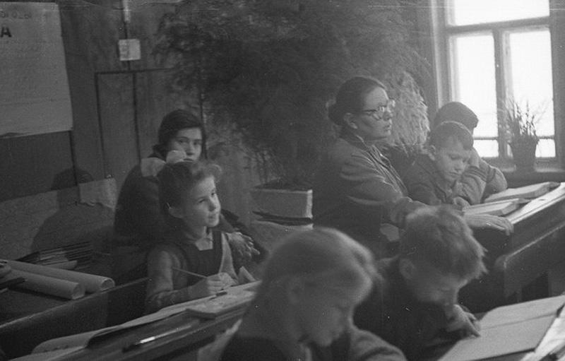 878 Школа в советской деревне 1964 год