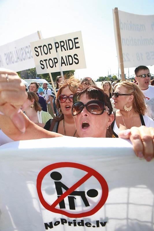 9170 Лица гомофобии разных стран мира