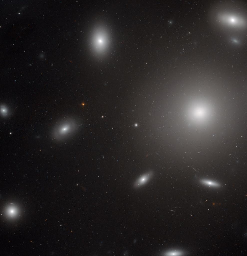 967 Телескоп Хаббл: 22 года на орбите