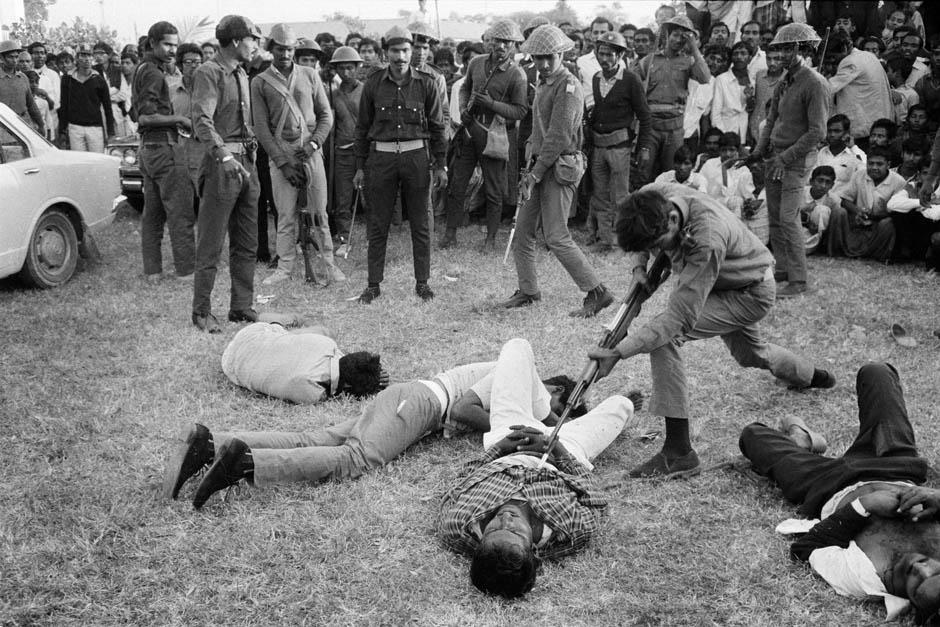 995 Легендарный военный фотограф Хорст Фаас умер в возрасте 79 лет