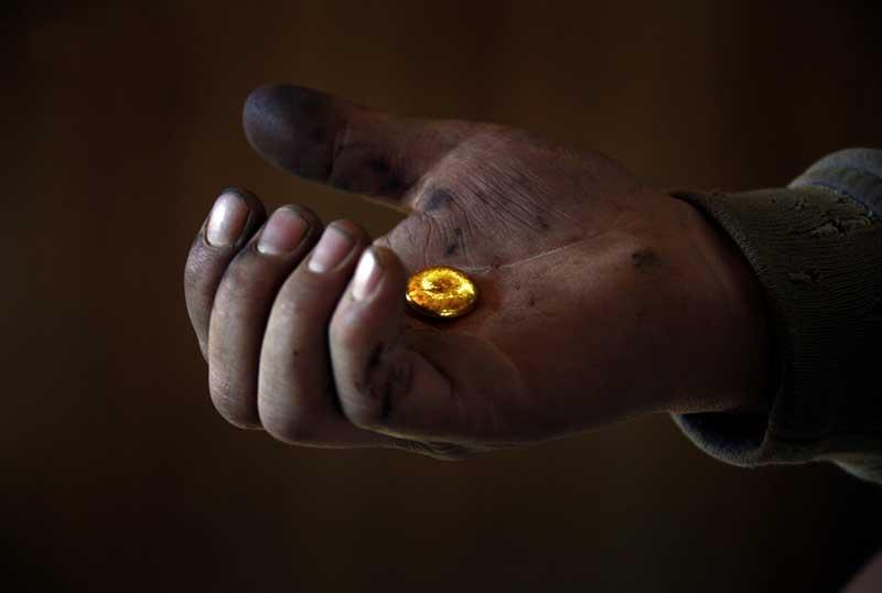 BIGPIC225 Шахтеры ниндзя: Добыча золота в Монголии