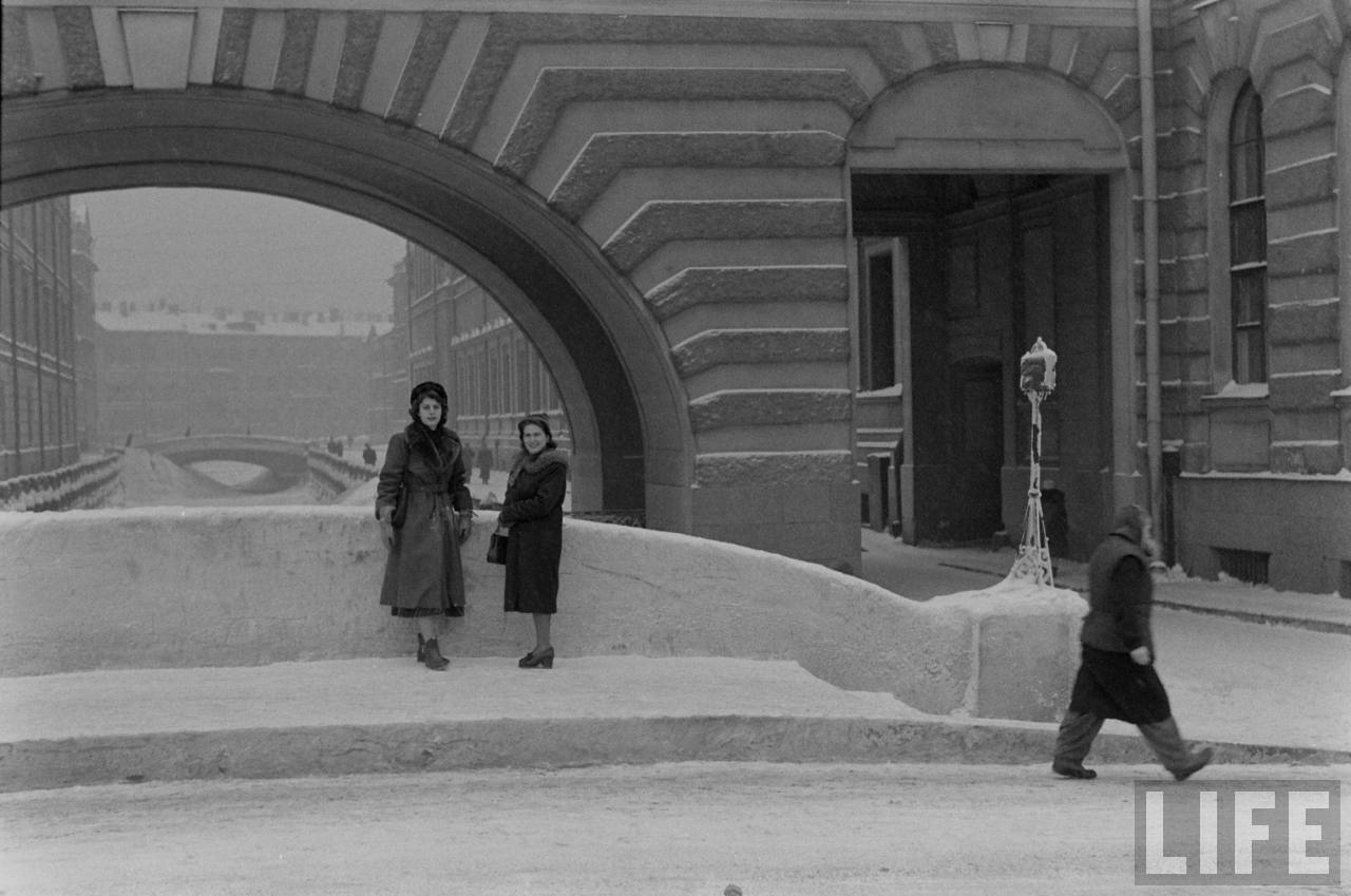 amer22 Американские туристы в Ленинграде зимой 1955 1956 гг.