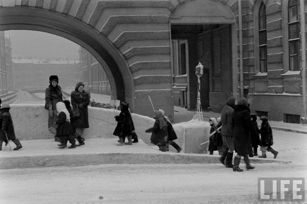 amer24 Американские туристы в Ленинграде зимой 1955 1956 гг.