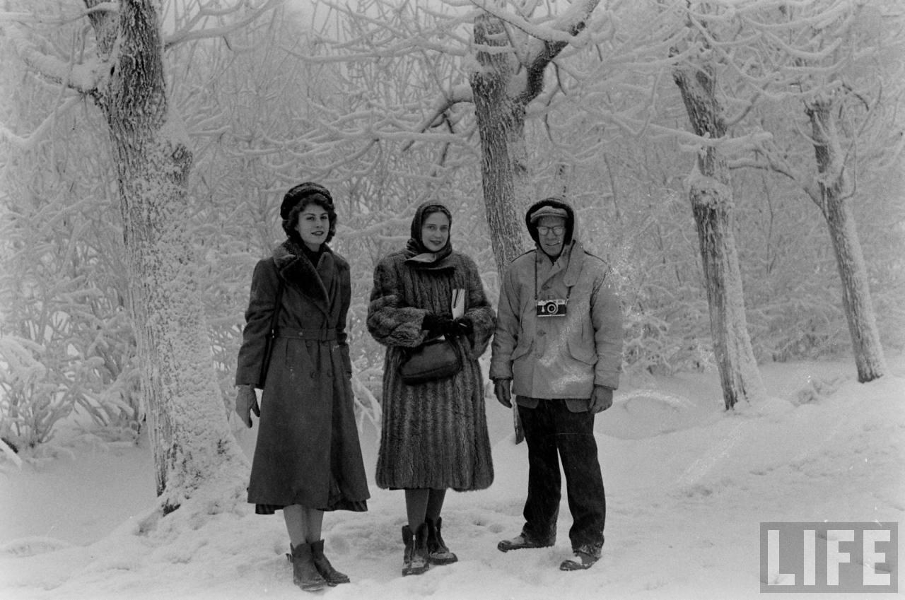 amer34 Американские туристы в Ленинграде зимой 1955 1956 гг.