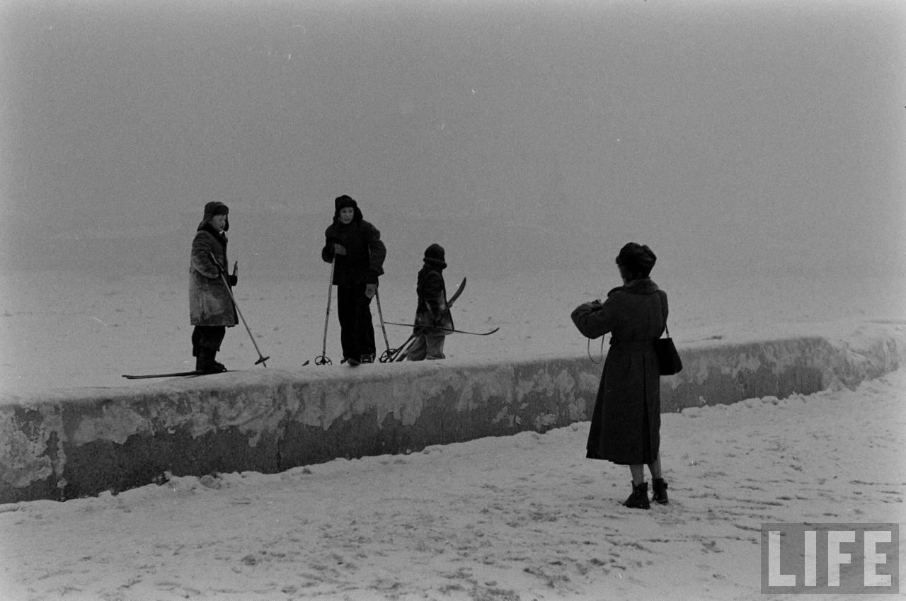 amer40 Американские туристы в Ленинграде зимой 1955 1956 гг.